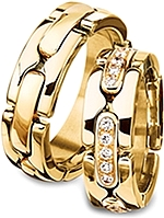 Shown here in 18k yellow gold with and without diamonds. Each sold separately.