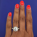 This image shows the setting with a 1.50ct round brilliant cut center diamond.