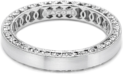 tacori wedding band with diamond detail on both upper and lower rims