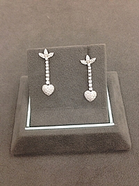 18k White Gold Diamond Heart Drop Earrings