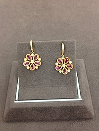 18k Yellow Gold Diamond & Pink Tourmaline Flower Earrings