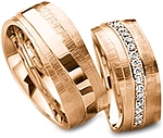 Shown here in 18k rose gold with an without diamonds. Each sold separately.