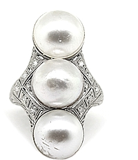 Platinum & Diamond Mobe Pearl Diamond Ring